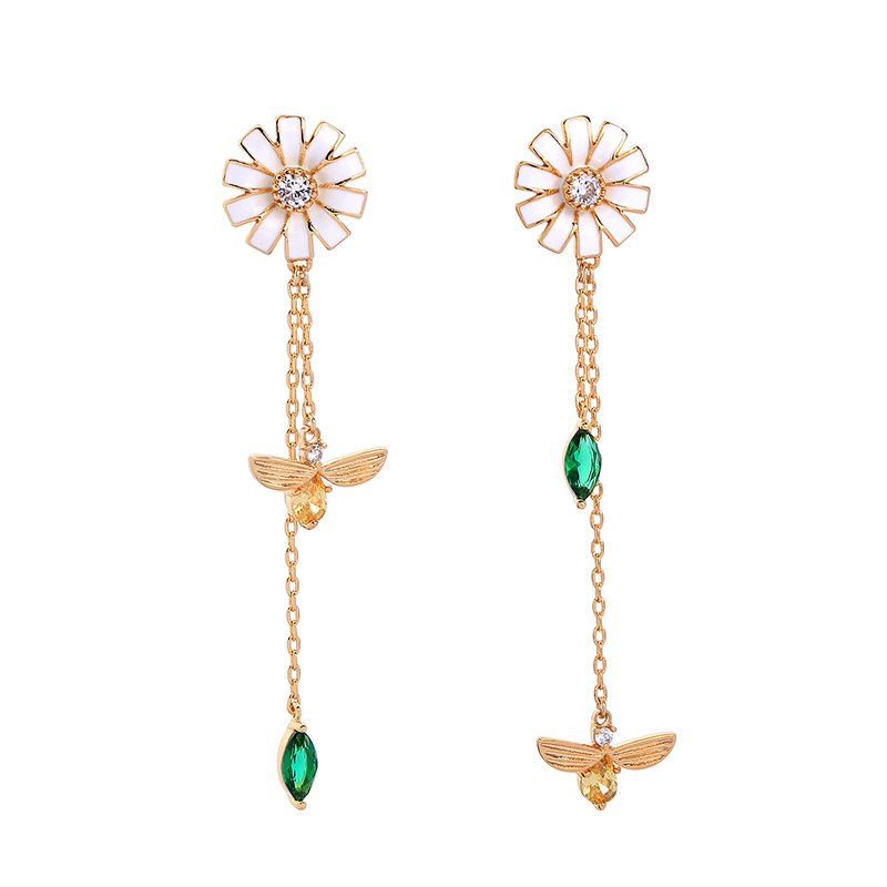 Korea Style Gold Plated Brass Zircon Daisy Flower Floral Bee Pendant Earrings for Women Featured Image