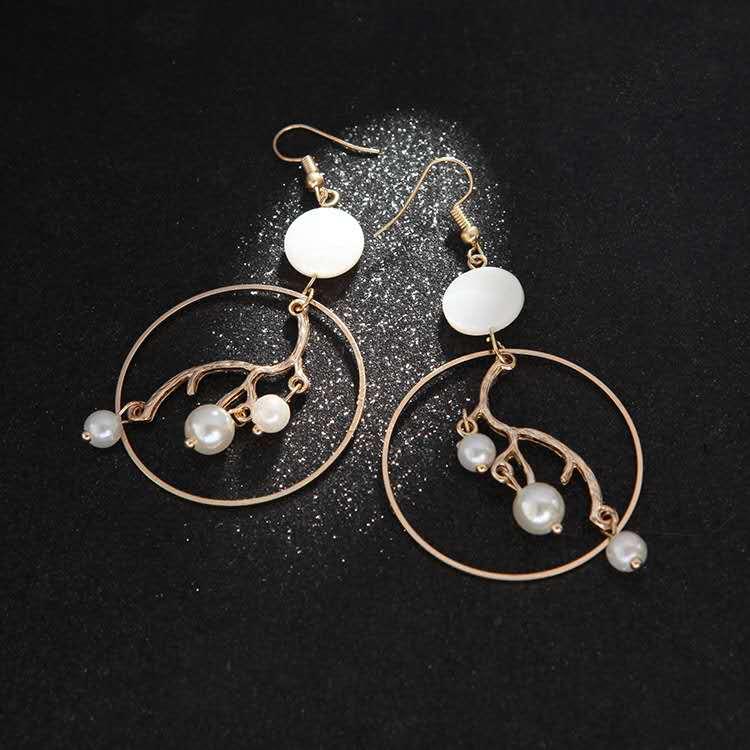 Fashion-gold-geometric-big-hoop-inner-branch (3)