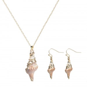 WENZHE Boho Style Handmade Jewelry Set Natural Shell Chain Gold Necklace and Earrings Set
