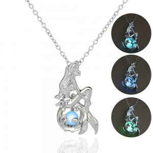 Halloween creative accessories open pendant jewelry beauty mermaid luminous in dark necklace pendant gift for halloween