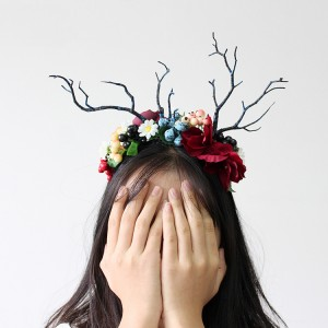 2019 Newest Design Halloween Festival Emulational Flower And Berry Hair Bands With Antlers