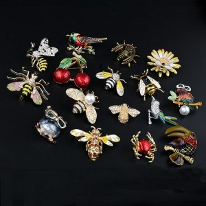 2019 new painted bee brooch animal accessories pin cute metal studded bee collar brooch
