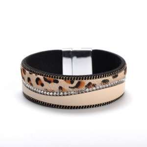 WENZHE Boho Women Bracelet Jewelry Female Leopard Crystal Leather Bangle