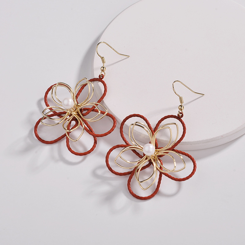 WENZHE Latest design wire wrapped multi-layered flower spray paint pearl earrings Featured Image