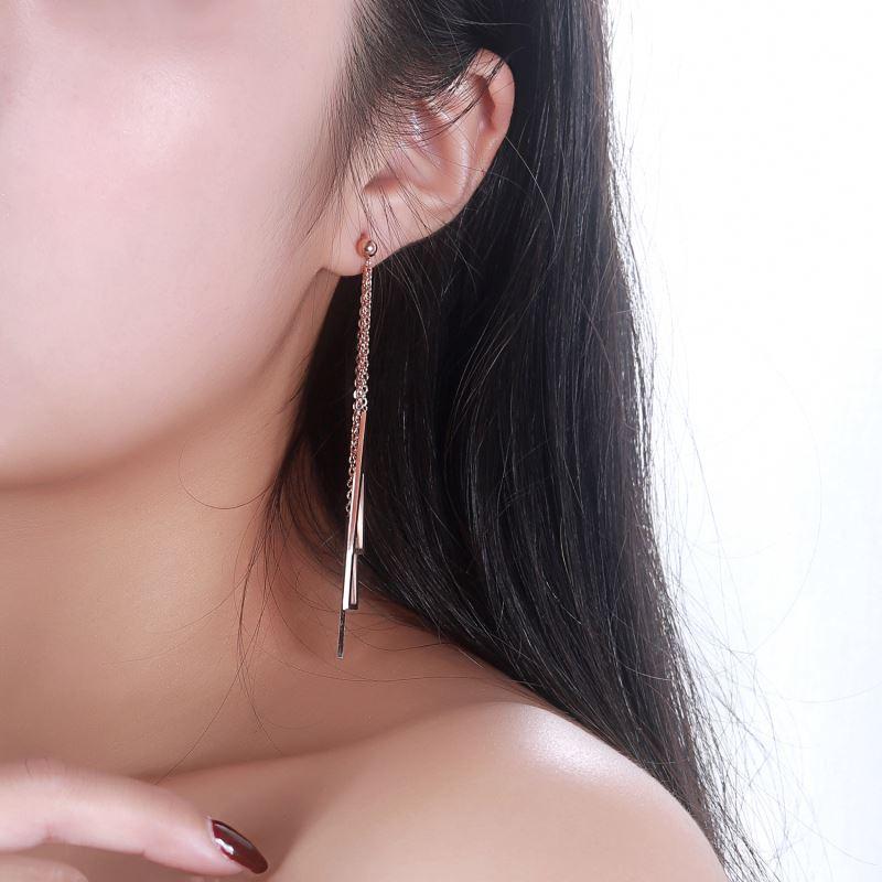 Particular-Custom-Girls-Earrings (4)
