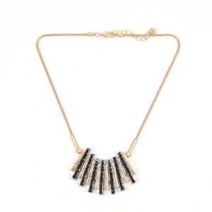 WENZHE Gold Tassel Pendant Short Necklace