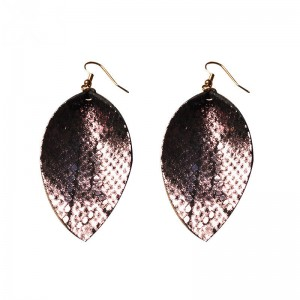 WENZHE New design Leather PU Leaf Shaped Fashion Earring New Model Leather Earring