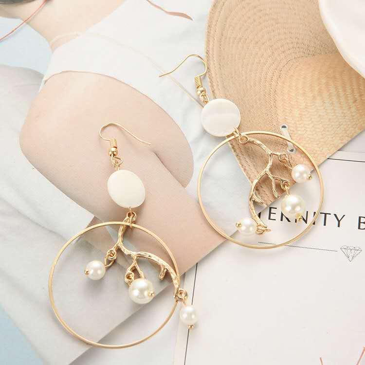 Fashion-gold-geometric-big-hoop-inner-branch (4)