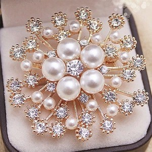 Women's clothing accessories large snowflake pearl crystal brooch beautiful flower brooch