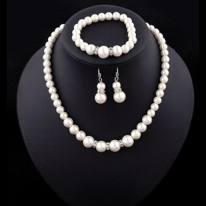 Creative imitation pearl necklace bracelet earrings set three-piece bridal jewelry