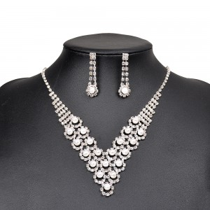 WENZHE Fashion Simulated Pearl Jewelry Set Women Elegant Claw Chain Statement Necklace Drop Earrings