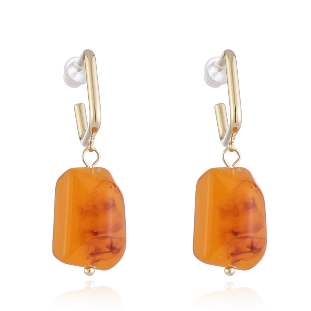 WENZHE Retro amber earrings natural texture resin earring Featured Image