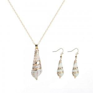 WENZHE Latest Natural Shell Pendant Gold Chain Necklace Earrings Jewelry Set