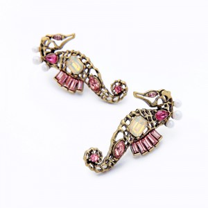 New Personality Creative Sea Jewelry Vintage Hollow Seahorse Pearl Pink Crystal Gemstone Stud Earrings