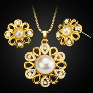 Fashion Women's Copper Plated 18K Gold Pearl Flower Shape Dubai Necklace Earrings Two Piece Jewelry Set