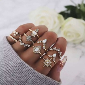 WENZHE gold plated alloy flower crystal finger ring set