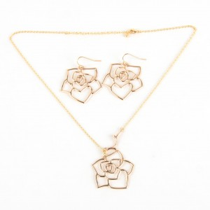 WENZHE New Style Women Jewelry Set Gold Hollow Rose Flower Necklace Earring Set