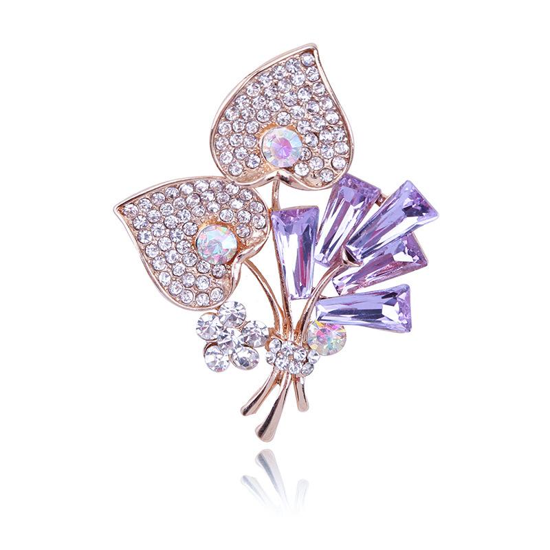 WENZHE Elegant Fashion Custom Women Crystal Flower Metal Brooch For Women Featured Image