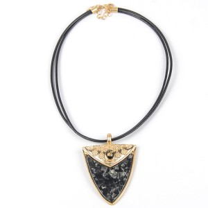 WENZHE Gold Geometric Triangle Alloy Pendant Necklace