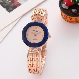 Fashion luxury watch Women Royal Crown Bracelet Watch Woman Alloy Band Female Wrist Watch