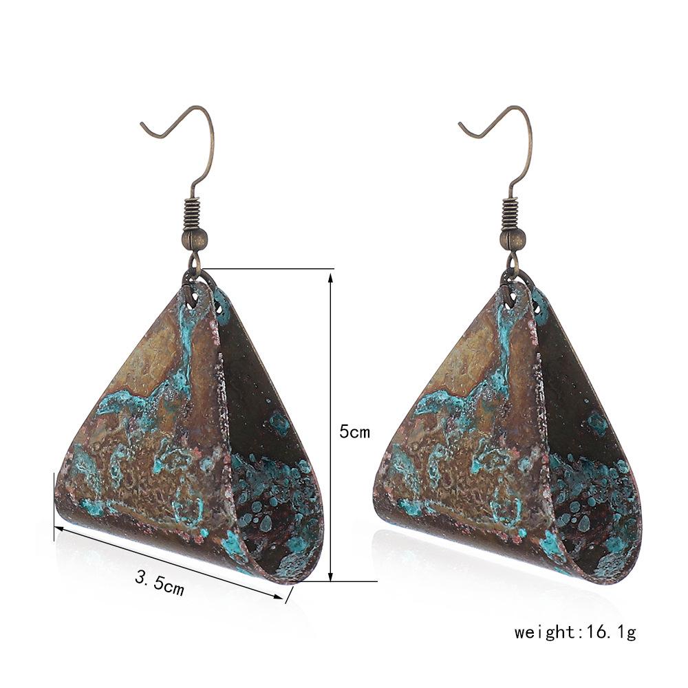 Fashion-geometric-triangle-hollow-earrings-temperament-old (2)