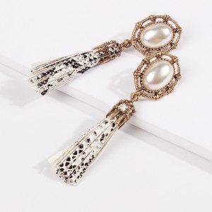 New Design Simple Imitation Pearl Hollow Metal Snakeskin Pattern PU Leather Tassel Earrings