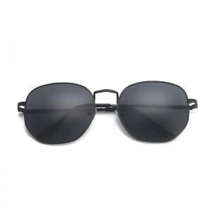 2019 new small square sunglasses wild street shot colorful sunglasses men and women retro sunglasses
