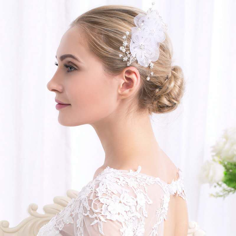 Creative fashion lace flower pearl bride gift wedding alloy headdress hair comb Featured Image