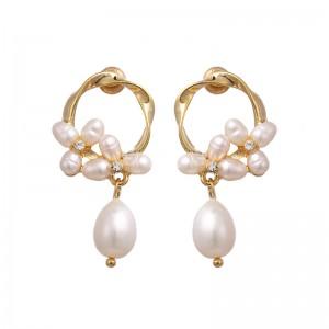 WENZHE Popular natural pearl earrings copper plated 14K gold flower earrings