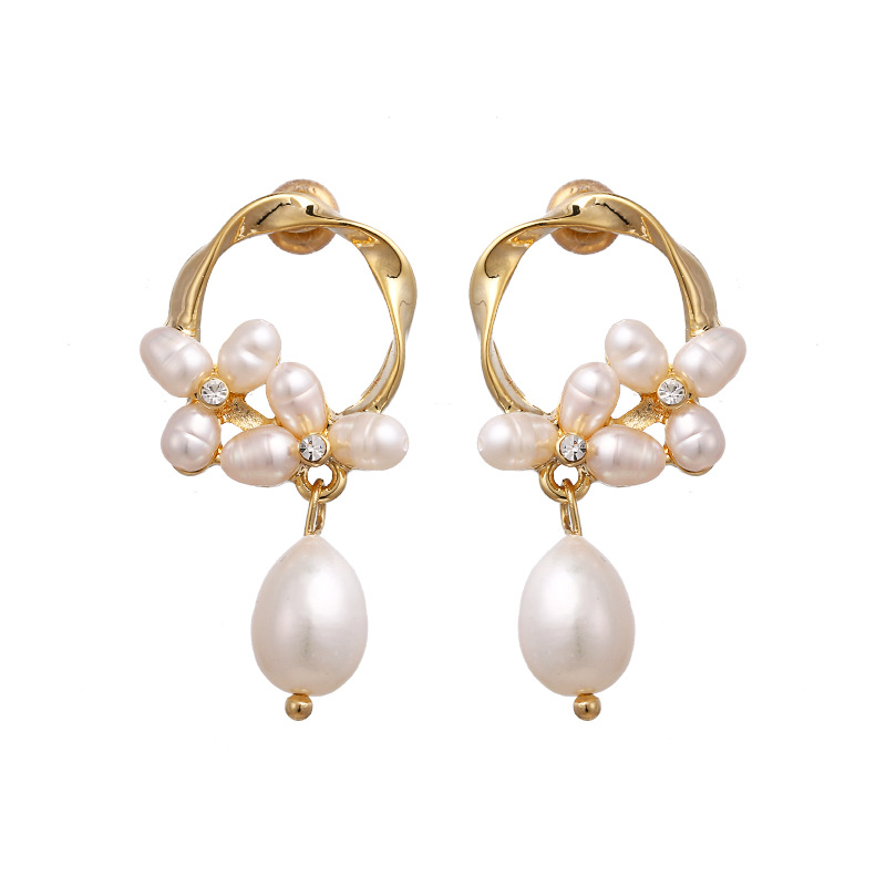 WENZHE Popular natural pearl earrings copper plated 14K gold flower earrings Featured Image