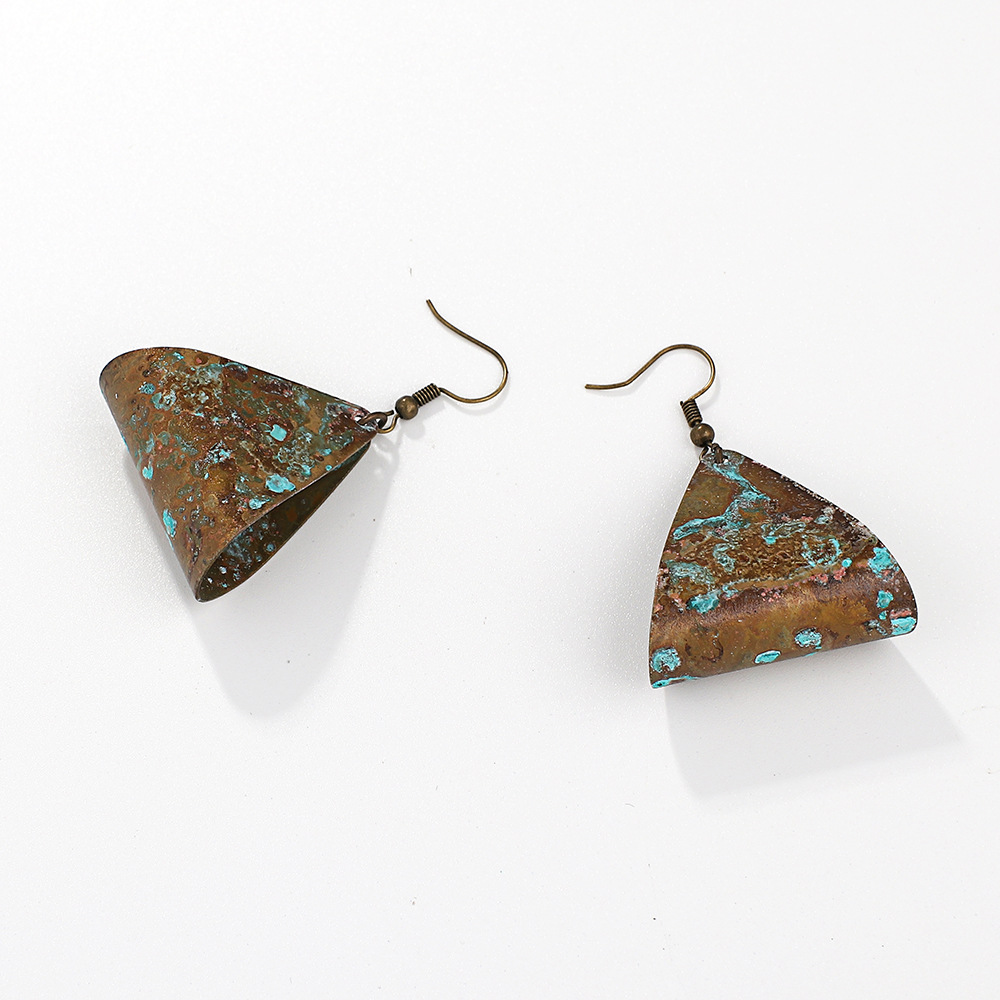 Fashion-geometric-triangle-hollow-earrings-temperament-old