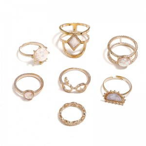 WENZHE European and American retro simple opal gold ring set