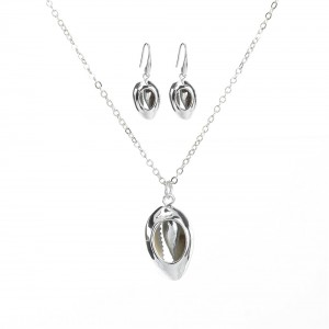 WENZHE Fashion Silver Plated Shell Shaped Pendant Necklace Jewelry Set For Women