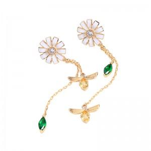 Korea Style Gold Plated Brass Zircon Daisy Flower Floral Bee Pendant Earrings for Women